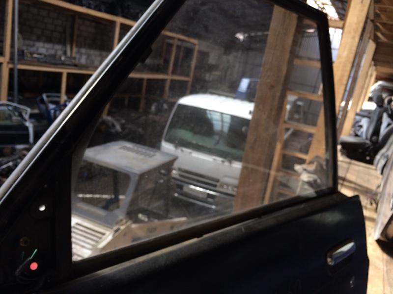 Стекло двери Nissan Safari Y60 переднее левое (б/у)