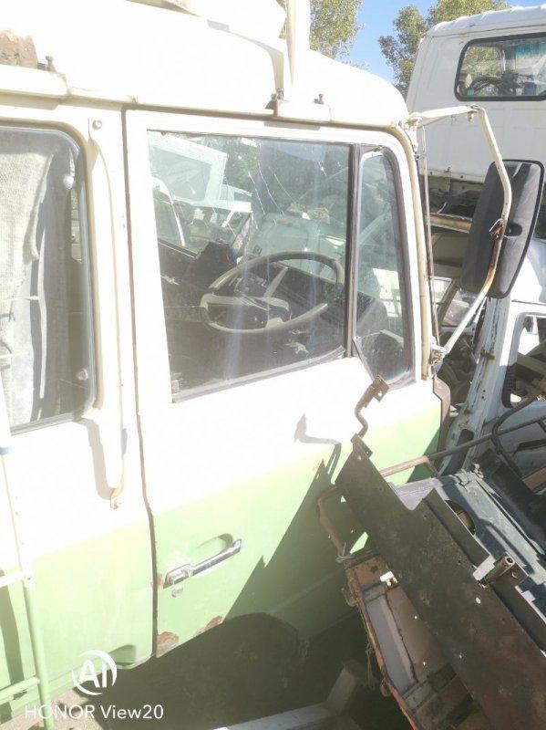 Петли на дверь Hino Ranger FS66 правые (б/у)
