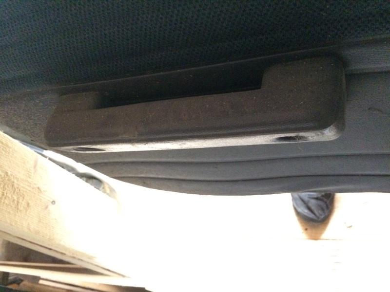 Ручка двери внутренняя Nissan Largo C22 передняя левая (б/у)