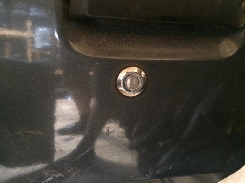 Личинка замка Nissan Largo C22 передняя левая (б/у)