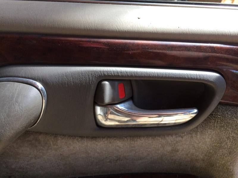 Ручка двери внутренняя Toyota Crown JZS171 передняя левая (б/у)