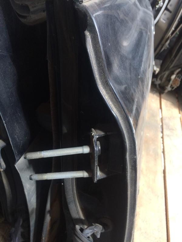Петли на дверь Toyota Land Cruiser HDJ81 задние левые верхние (б/у)