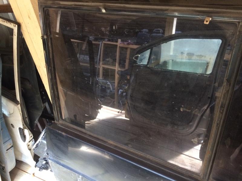 Стекло двери Nissan Safari Y60 заднее левое (б/у)