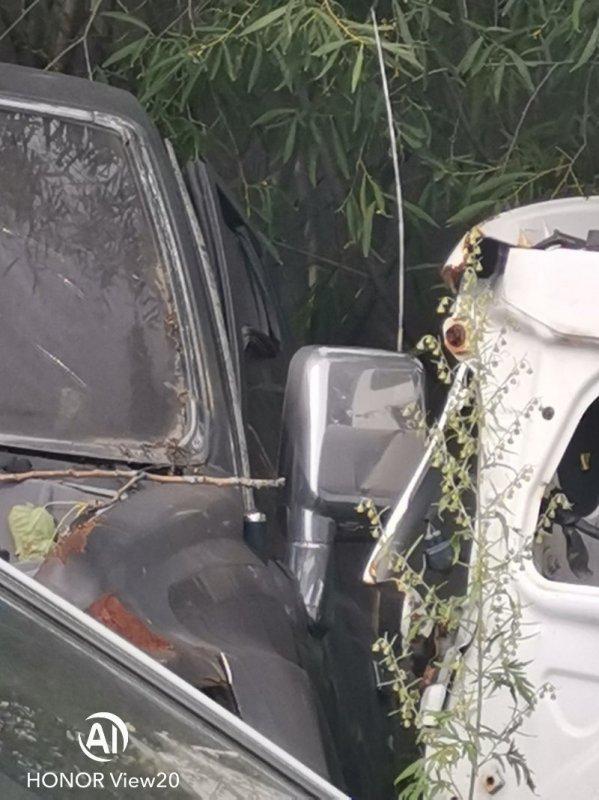 Зеркало Toyota Hilux Surf LN61 2L левое (б/у)