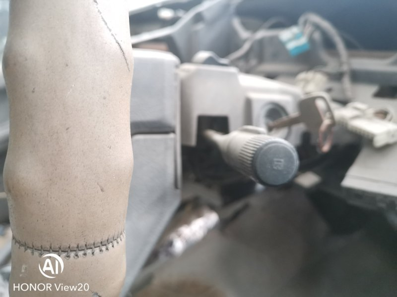 Гитара Toyota Hilux Surf LN61 2L (б/у)