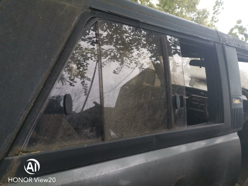 Форточка кузова Toyota Hilux Surf LN61 2L задняя правая (б/у)