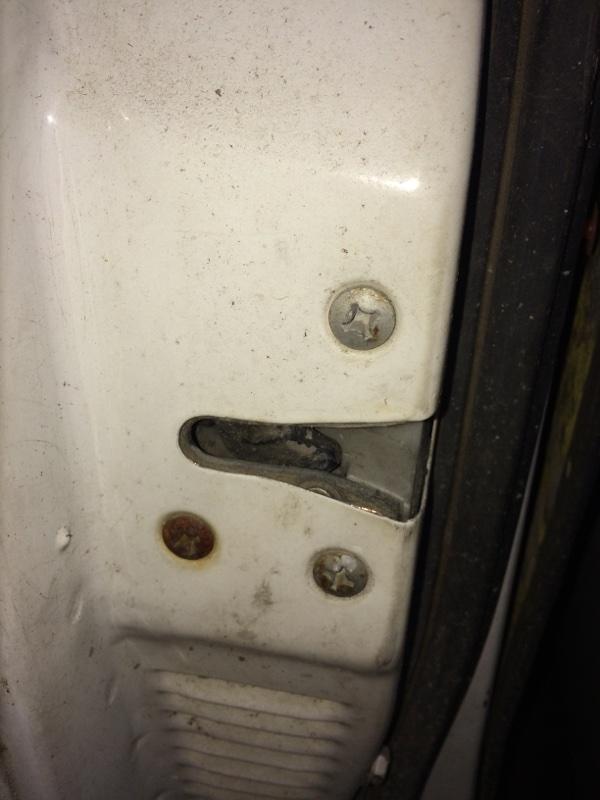 Замок двери Nissan Datsun QMD21 передний левый (б/у)