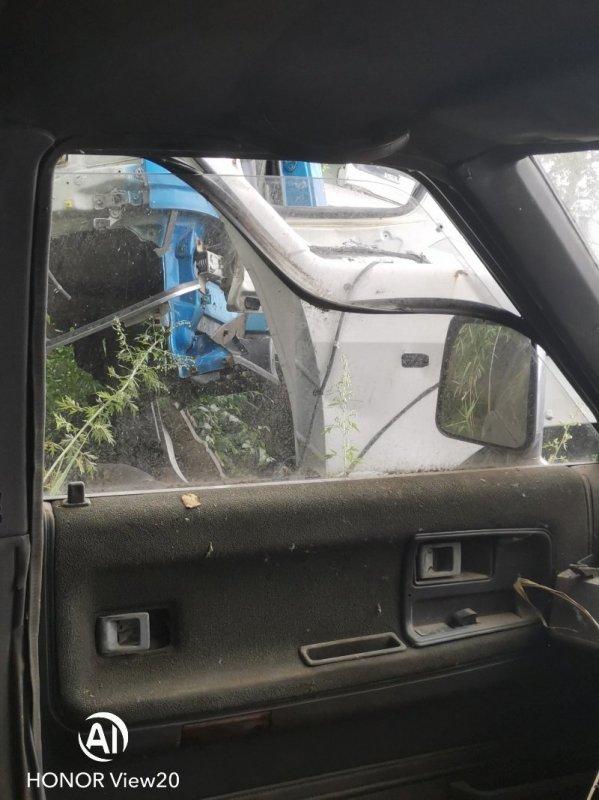 Стекло Toyota Hilux Surf LN61 2L левое (б/у)