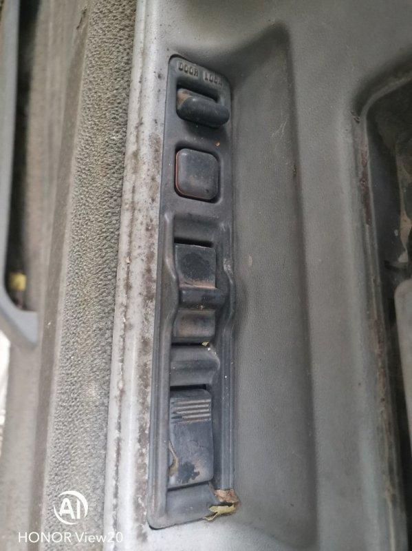 Пульт стеклоподъемника Toyota Hilux Surf LN61 2L правый (б/у)