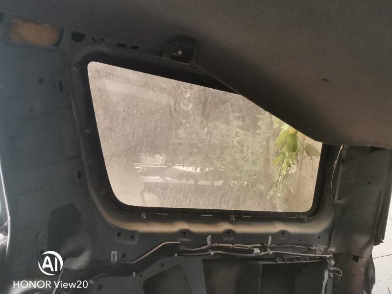 Стекло собачника Toyota Hilux Surf N130 правое (б/у)