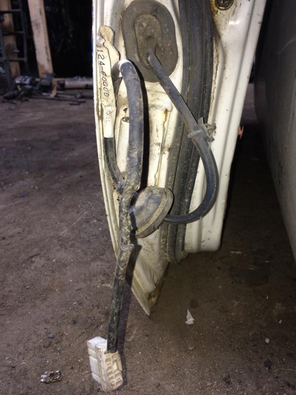 Проводка двери Nissan Datsun BMD21 передняя правая (б/у)