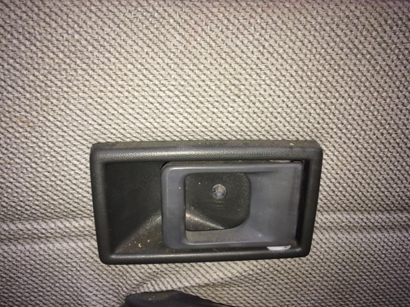 Ручка двери внутренняя Mitsubishi Canter FE337 задняя правая (б/у)