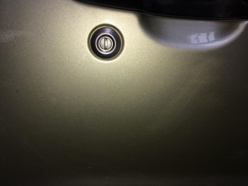 Личинка замка Suzuki Escudo GFTA02 передняя правая (б/у)