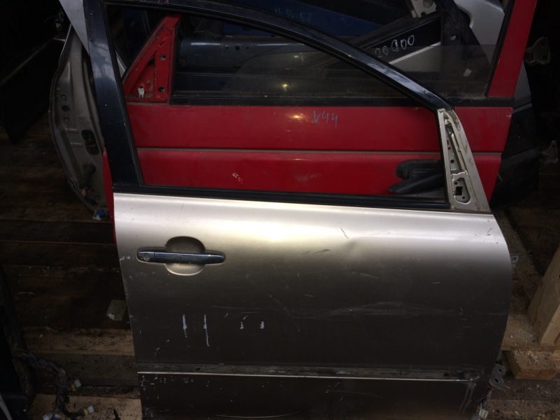 Дверь Toyota Ipsum ACM21 передняя правая (б/у)