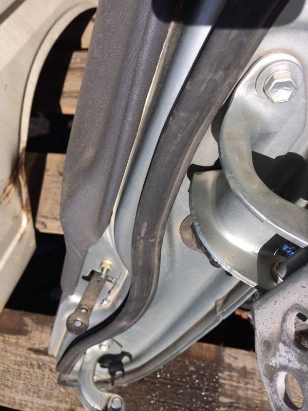 Уплотнительная резинка дверей Toyota Town Ace CR30 передняя левая (б/у)