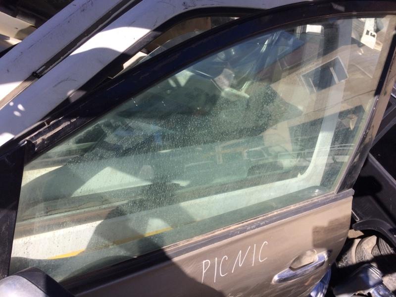 Стекло двери Toyota Ipsum ACM21 переднее левое (б/у)