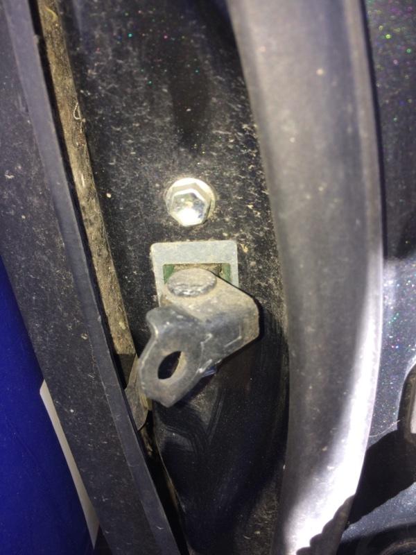 Ограничитель двери Toyota Belta NCP96 задний левый (б/у)