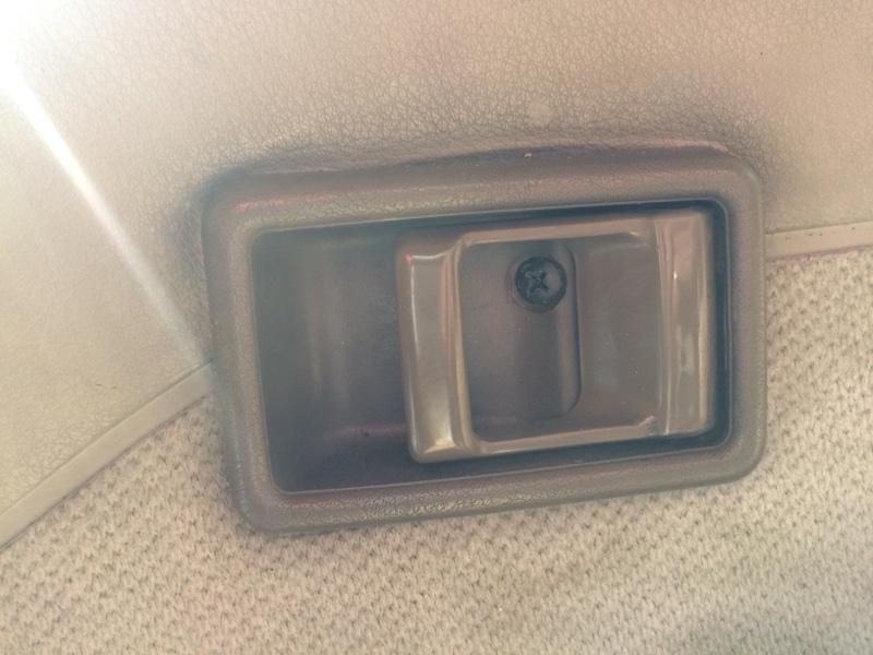 Ручка двери внутренняя Nissan Caravan ARE24 передняя правая (б/у)