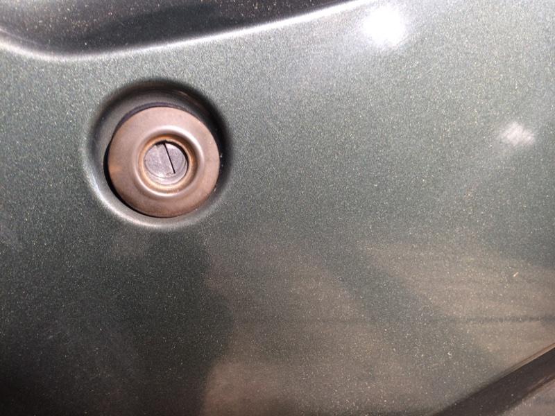 Личинка замка Nissan Caravan ARE24 передняя правая (б/у)