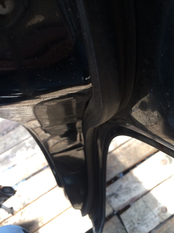 Уплотнительная резинка дверей Nissan Terrano WBYD21 задняя правая (б/у)