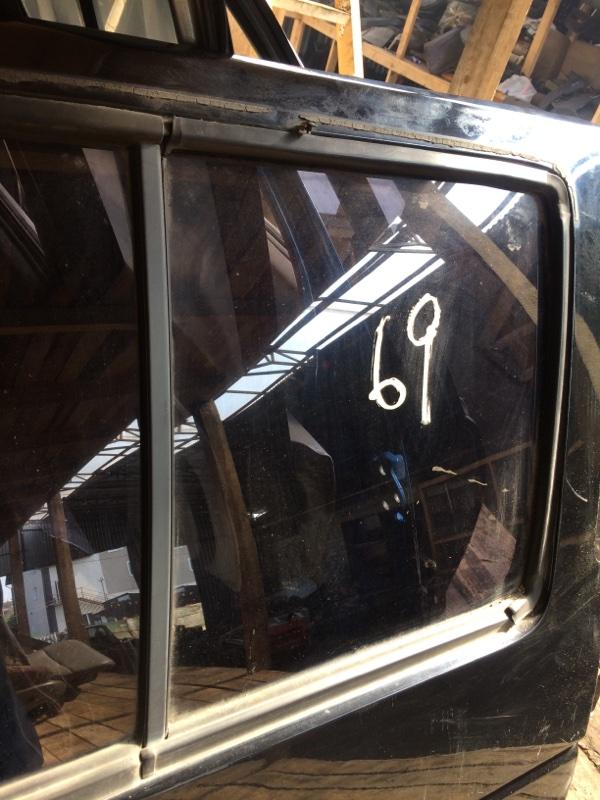 Стекло двери Nissan Terrano WBYD21 заднее правое (б/у)