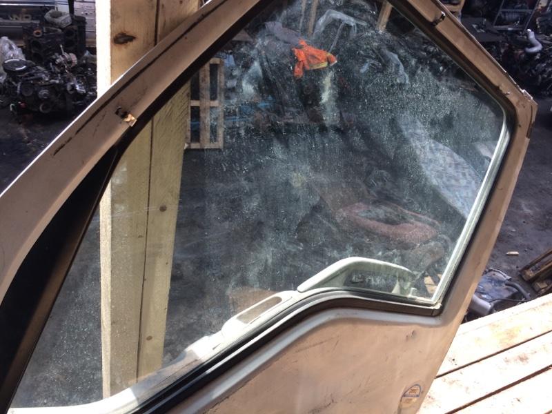 Стекло двери Isuzu Elf NKR81 переднее левое (б/у)