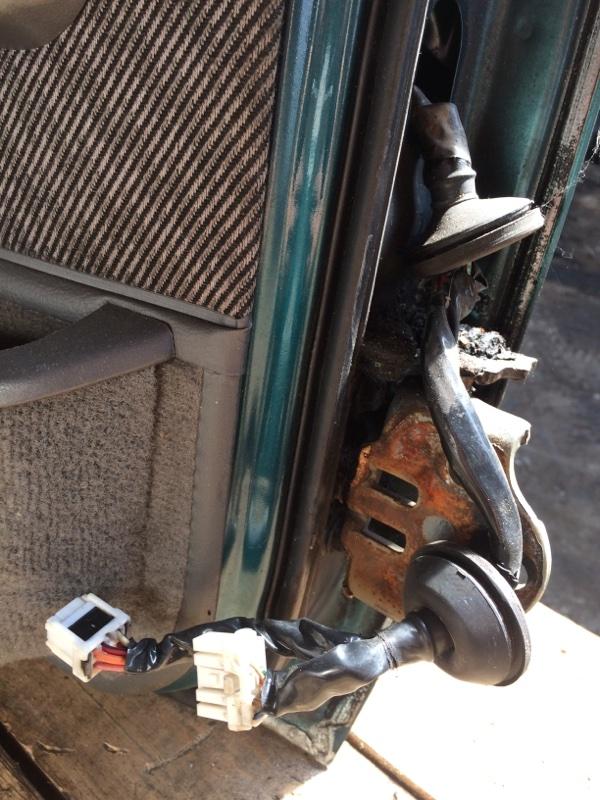 Проводка двери Nissan Safari WYY60 передняя левая (б/у)