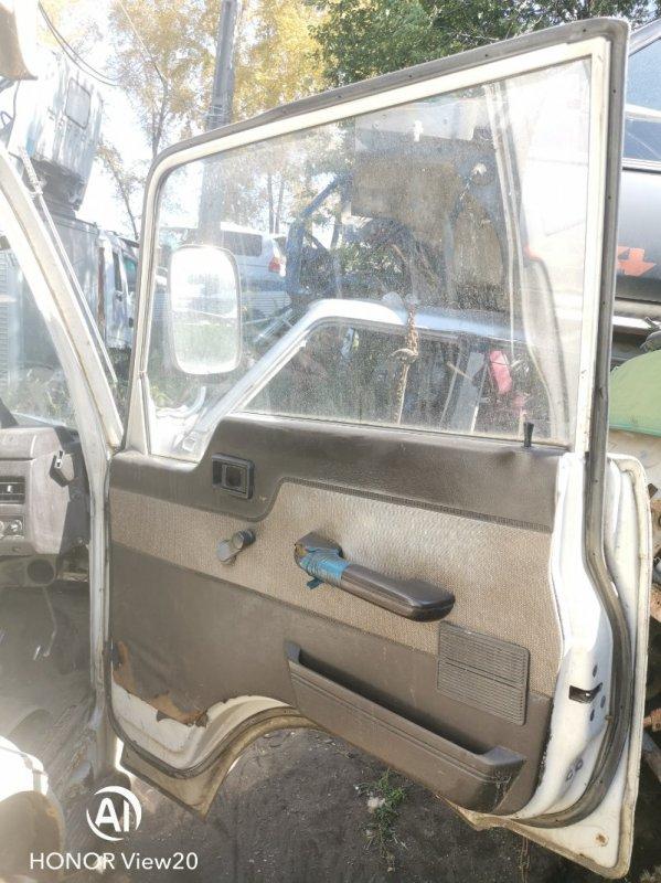 Стекло Nissan Atlas UF22 NA16 переднее правое (б/у)