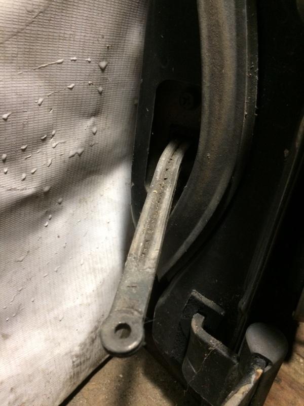 Ограничитель двери Nissan Safari Y60 задний (б/у)