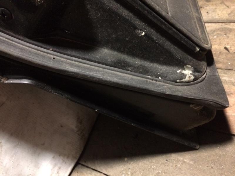 Уплотнительная резинка дверей Nissan Safari Y60 задняя (б/у)