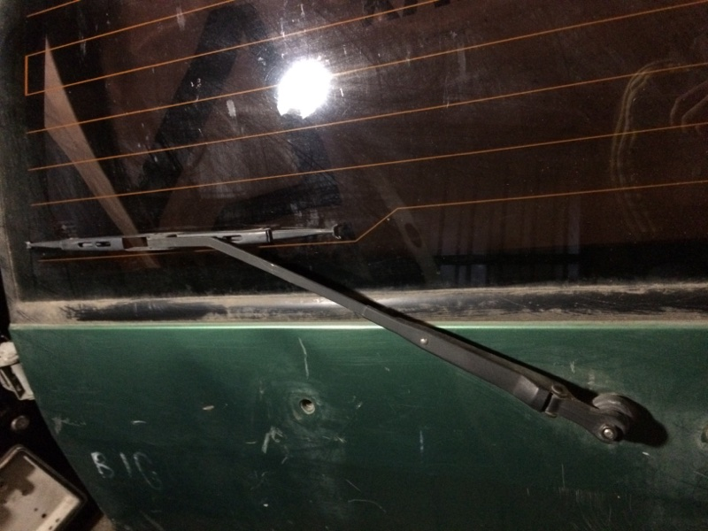 Дворник Isuzu Bighorn UBS69 задний (б/у)