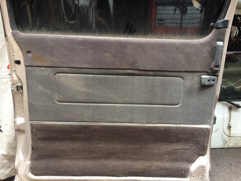 Дверная карта Toyota Master Ace Surf CR30 задняя левая (б/у)