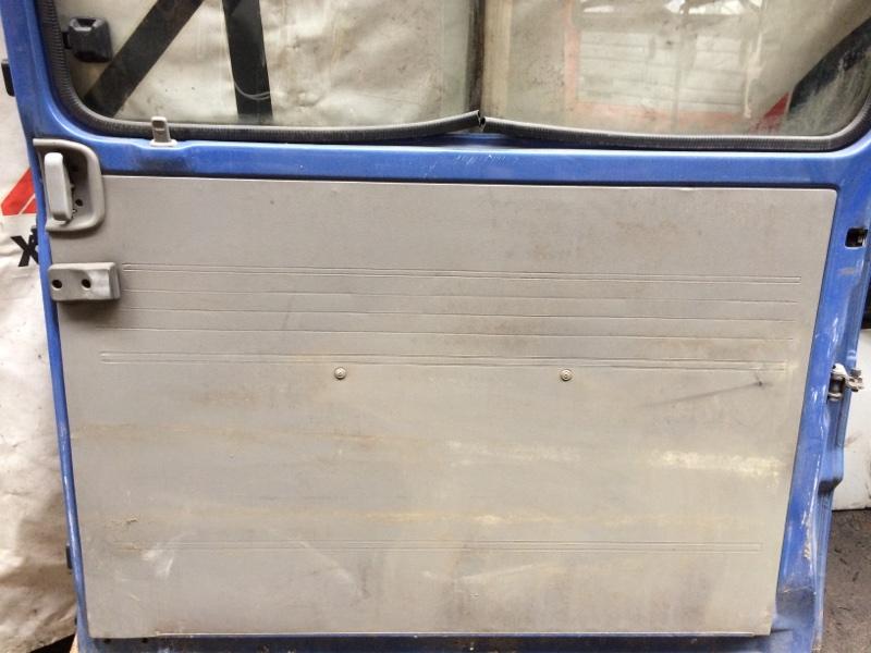 Дверная карта Mazda Bongo SS28 задняя правая (б/у)