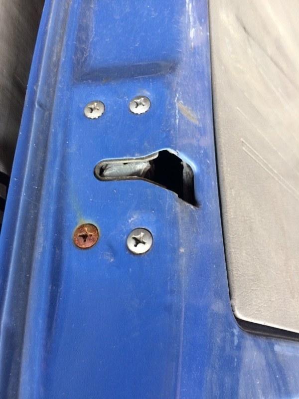 Замок двери Mazda Bongo SS28 задний левый (б/у)