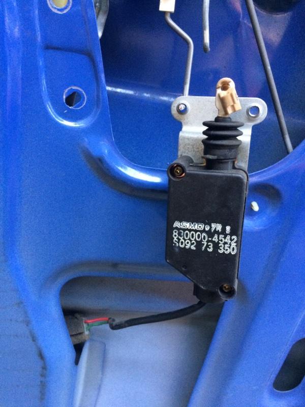 Активатор замка двери Mazda Bongo SS28 задний левый (б/у)
