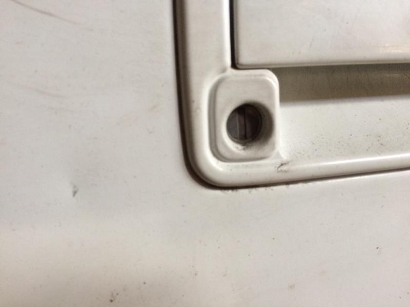 Личинка замка Suzuki Escudo TA01W передняя правая (б/у)