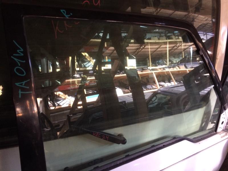 Стекло двери Suzuki Escudo TA01W переднее правое (б/у)