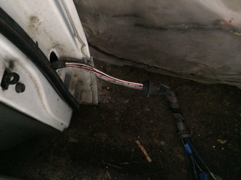 Проводка двери Suzuki Escudo TA01W передняя левая (б/у)