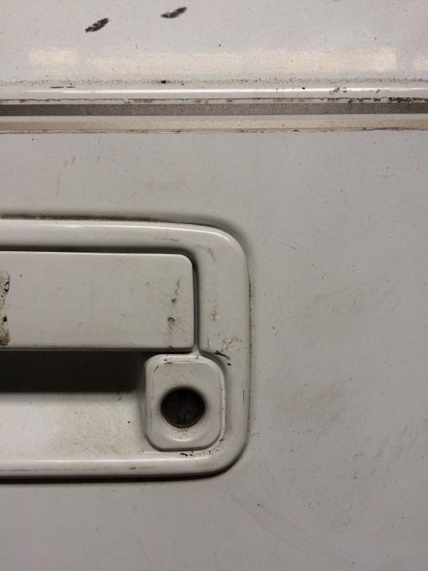 Личинка замка Suzuki Escudo TA01W передняя левая (б/у)