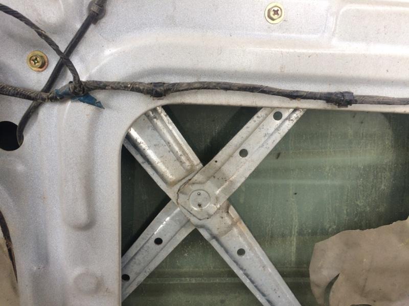 Стеклоподъемник Mitsubishi Delica PE8W передний правый (б/у)