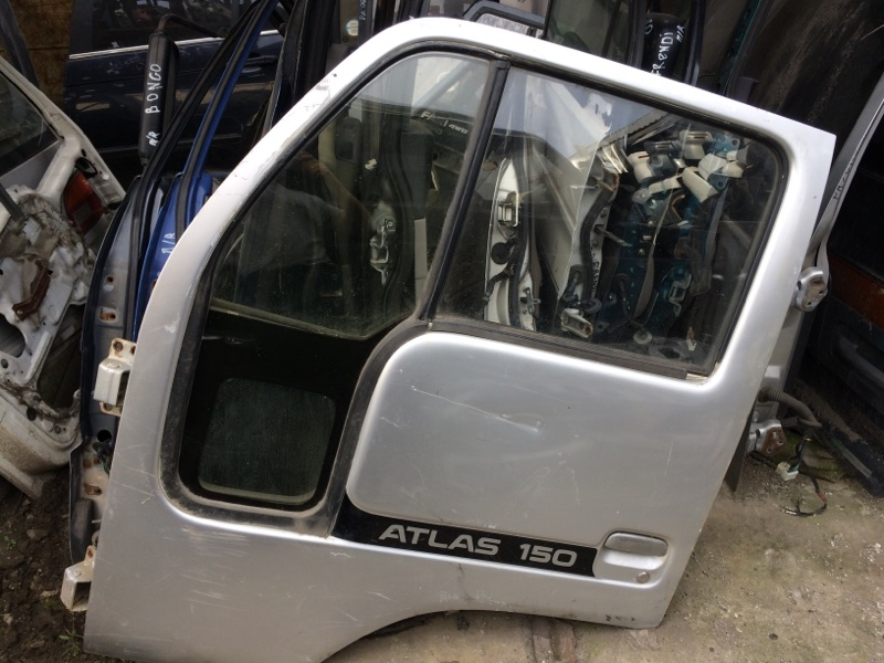 Дверь Nissan Atlas P8F23 передняя левая (б/у)