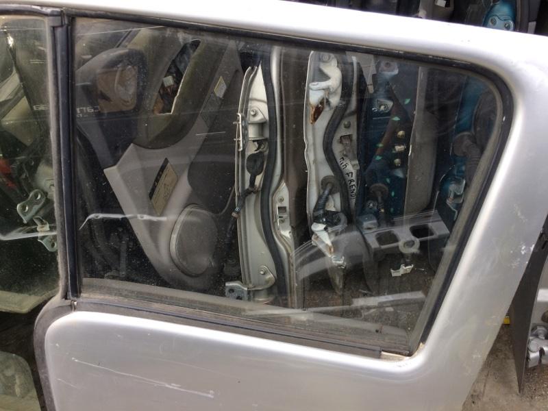 Стекло двери Nissan Atlas P8F23 переднее левое (б/у)