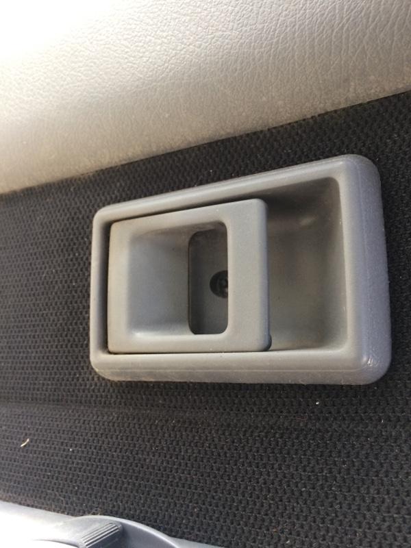 Ручка двери внутренняя Toyota Hilux Surf KZN130 задняя левая (б/у)