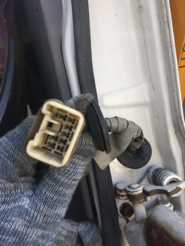 Проводка двери Mazda Bongo SS88 передняя левая (б/у)