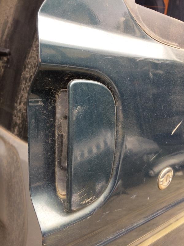 Ручка двери внешняя Mazda Bongo Friendee SGLR передняя правая (б/у)