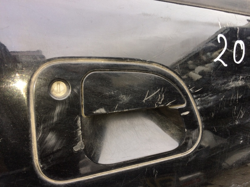 Ручка двери внешняя Mitsubishi Delica PE8W передняя правая (б/у)