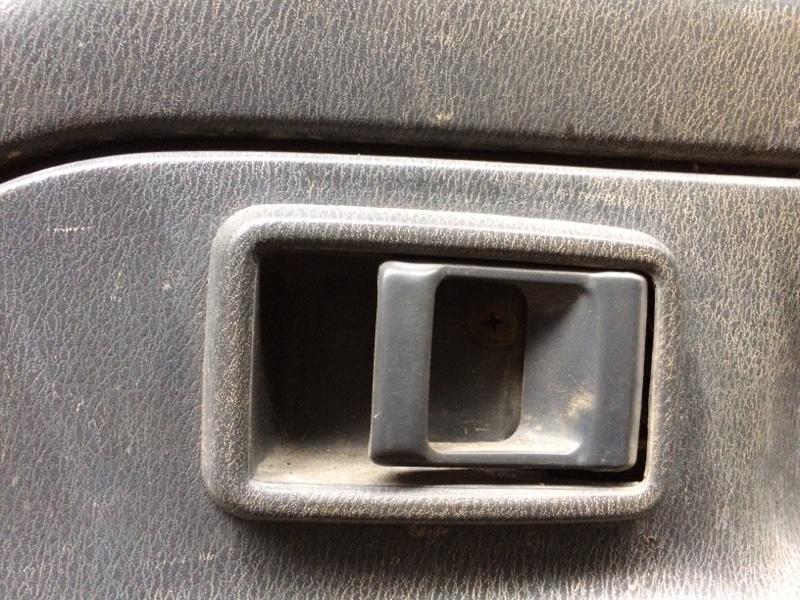 Ручка двери внутренняя Nissan Atlas P8F23 передняя правая (б/у)