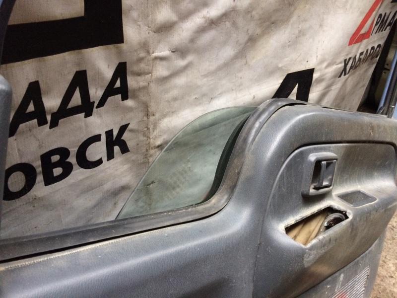 Стекло двери Nissan Atlas P8F23 переднее правое (б/у)