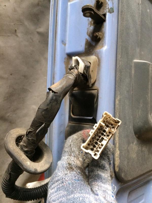 Проводка двери Nissan Atlas P8F23 передняя правая (б/у)