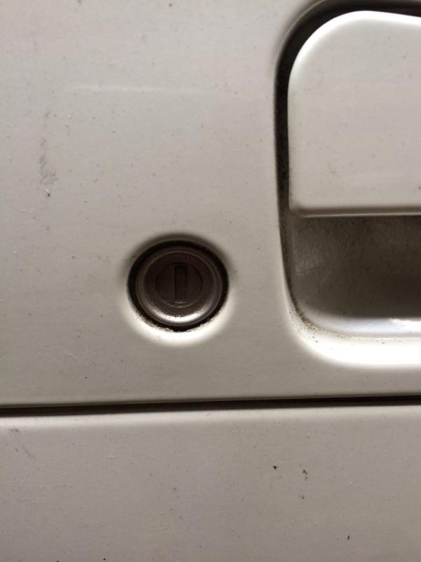 Личинка замка Nissan Elgrand AVE50 передняя правая (б/у)